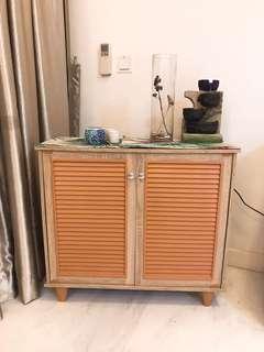 Storage cabinet/shelf with doors