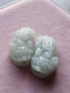 緬甸玉保A  身背錢幣冰貔貅配件兩隻