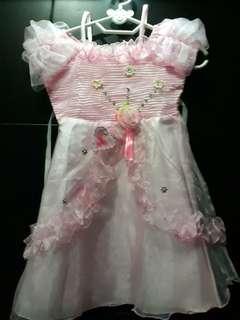 Dress ultah anak 2th