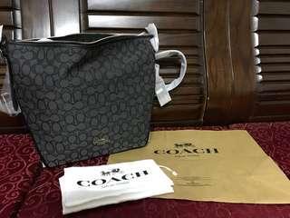 Coach 水餃包 全新 正品 美國購買(可議價)