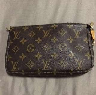 100% authentic Louis Vuitton (LV)  pochette/clutch