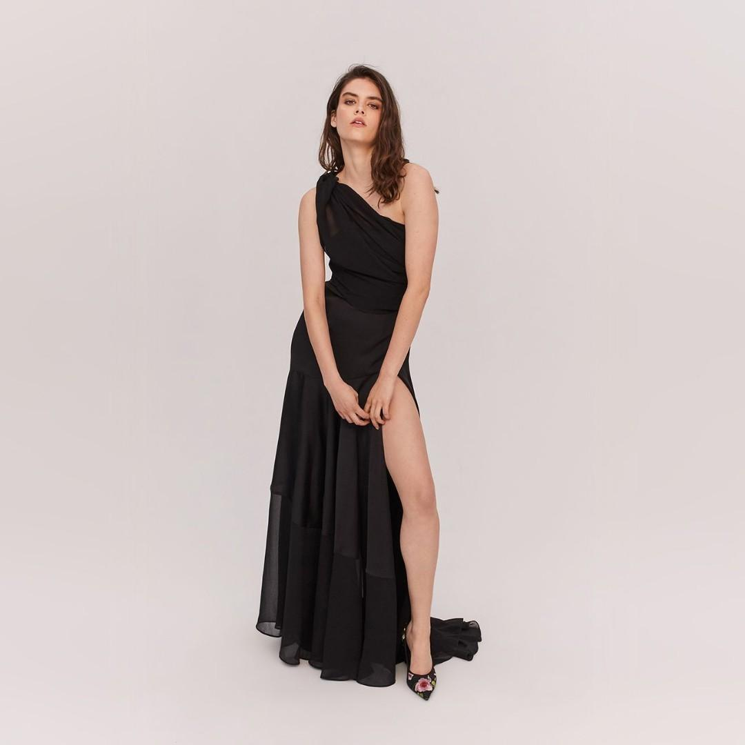 BNWT FAME & PARTNERS BLACK LAYLITA GOWN - SIZE 12