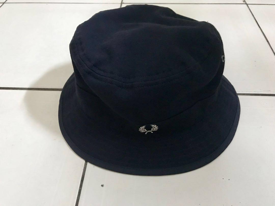 de96eb8e9e283 Fred Perry Authentic Black Reversible Fisherman Bucket Hat