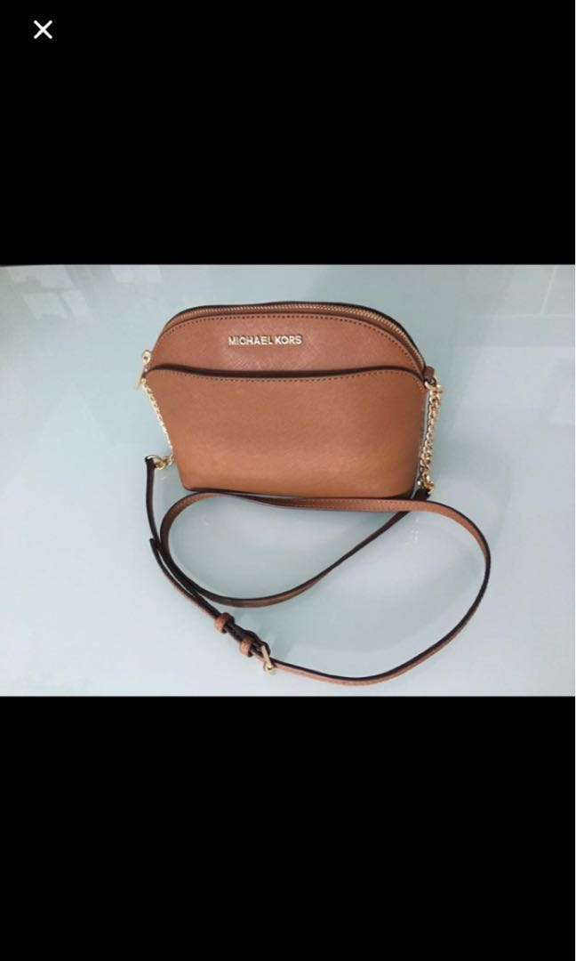 7c216ac8c77e Michael Kors Sling Bag, Luxury, Bags & Wallets, Sling Bags on Carousell