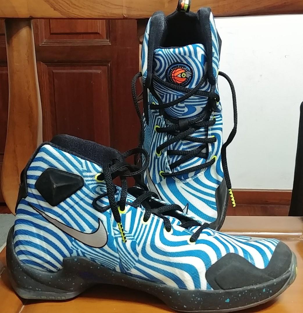 3b0148eef736 Nike Lebron 13 kids Basketball Shoe, Sports, Sports Apparel on Carousell