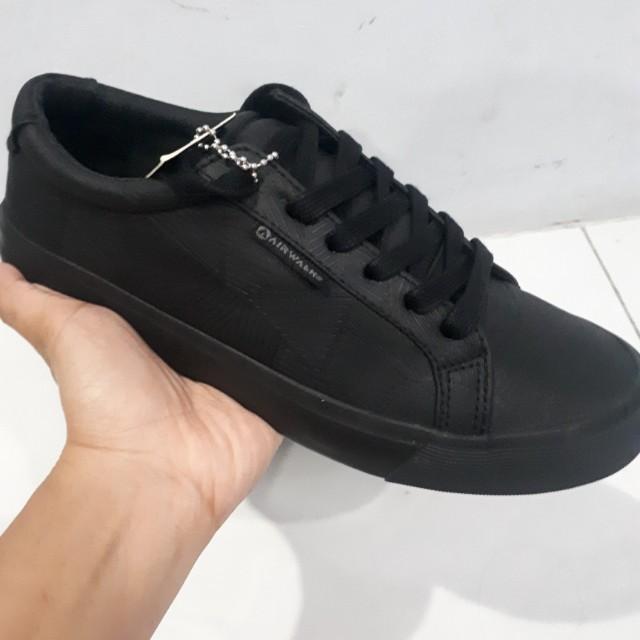 Sepatu merk Airwalk 11758b533d
