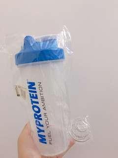 600ml myprotein shake cup 能量補充 運動水樽 搖搖杯