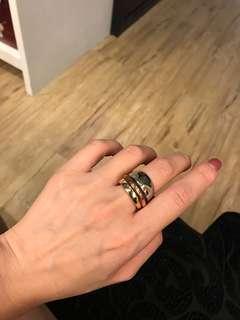 🚚 CK 造型戒指