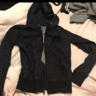 Black roots sweater size xxs
