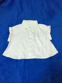 Japan 白雪紡刺繡珍珠釦短版襯衫