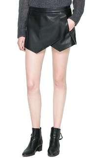Leather asymmetrical shorts