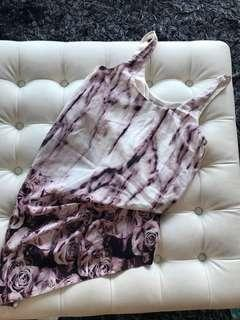 Gorgeous top, in built style