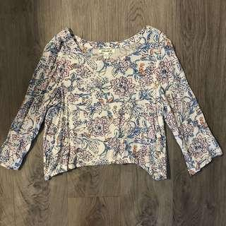Billabong 3/4 Sleeve Cropped Floral Top