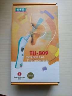OTO infrared ear thermometer 紅外線耳探熱計