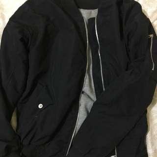 Jaket Bomber Hitam / Bomber Jacket