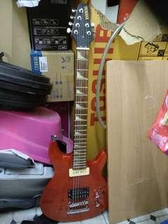 Yamaha Guitar +FREE AMPLIFIER