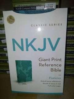 NKJV Giant Print Reference Bible