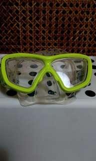 Dolfino Shatterproof swimming mask