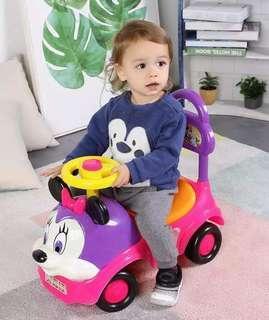 Minnie Mouse Twisting Car