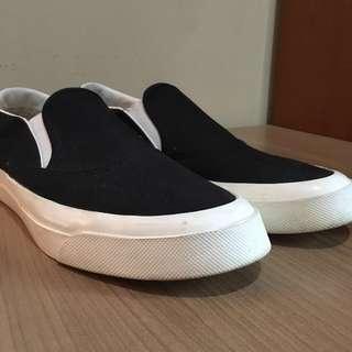 Maison kitsune shoes black