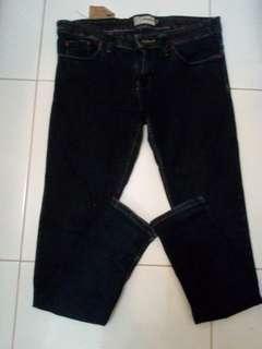 Celana jeans nevada size28-29(M)