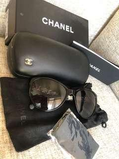 Chanel Sunglasses black with leather