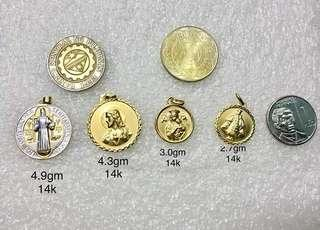Scapular/medal pendant