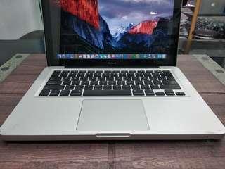 Apple MacBook 13inch C2D RAM 4GB HDD 320GB 2009 - SECOND