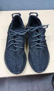 ADIDAS YZY BOOST SNEAKERS