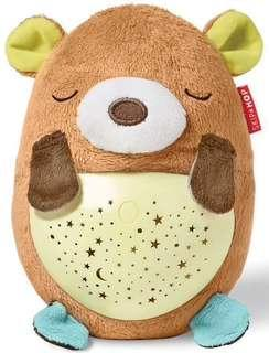 SKIP HOP - MOONLIGHT & MELODIES HUG ME PROJECTION SOOTHER - BEAR