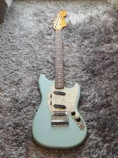 Fender Mustang Classic Series 65 Reissue