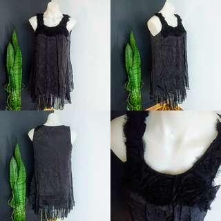Women's size 10-12 Stunning long black top with shabby flower neckline - AS NEW