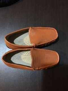 Reprice rustans topsider  leather  shoes from rustans fits 1 yr up to 3 yrs old