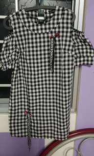 Korea puffy sleeves checkered cold shoulder
