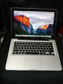 MacBook Pro 13 inches SSD internal camera dvd good for study