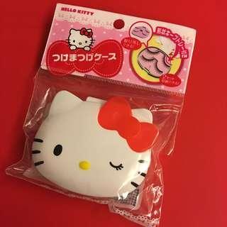 Hello Kitty fake eye lashes container