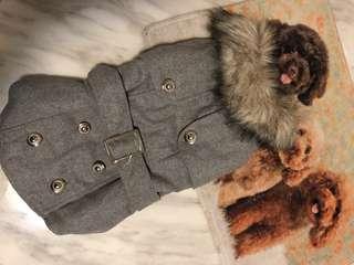 Pet's winter coat with fur collar