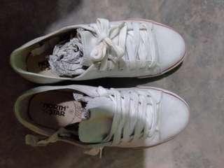 Sepatu northstar