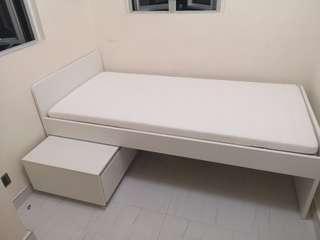 Ikea單人床連床褥(加貯物櫃一個)