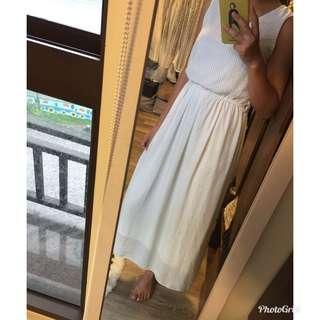 🚚 白色點點洋裝