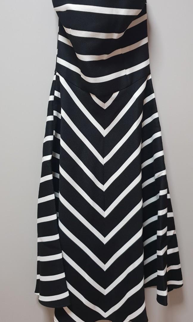 7f6c9e28238 BNWT Lara J dress