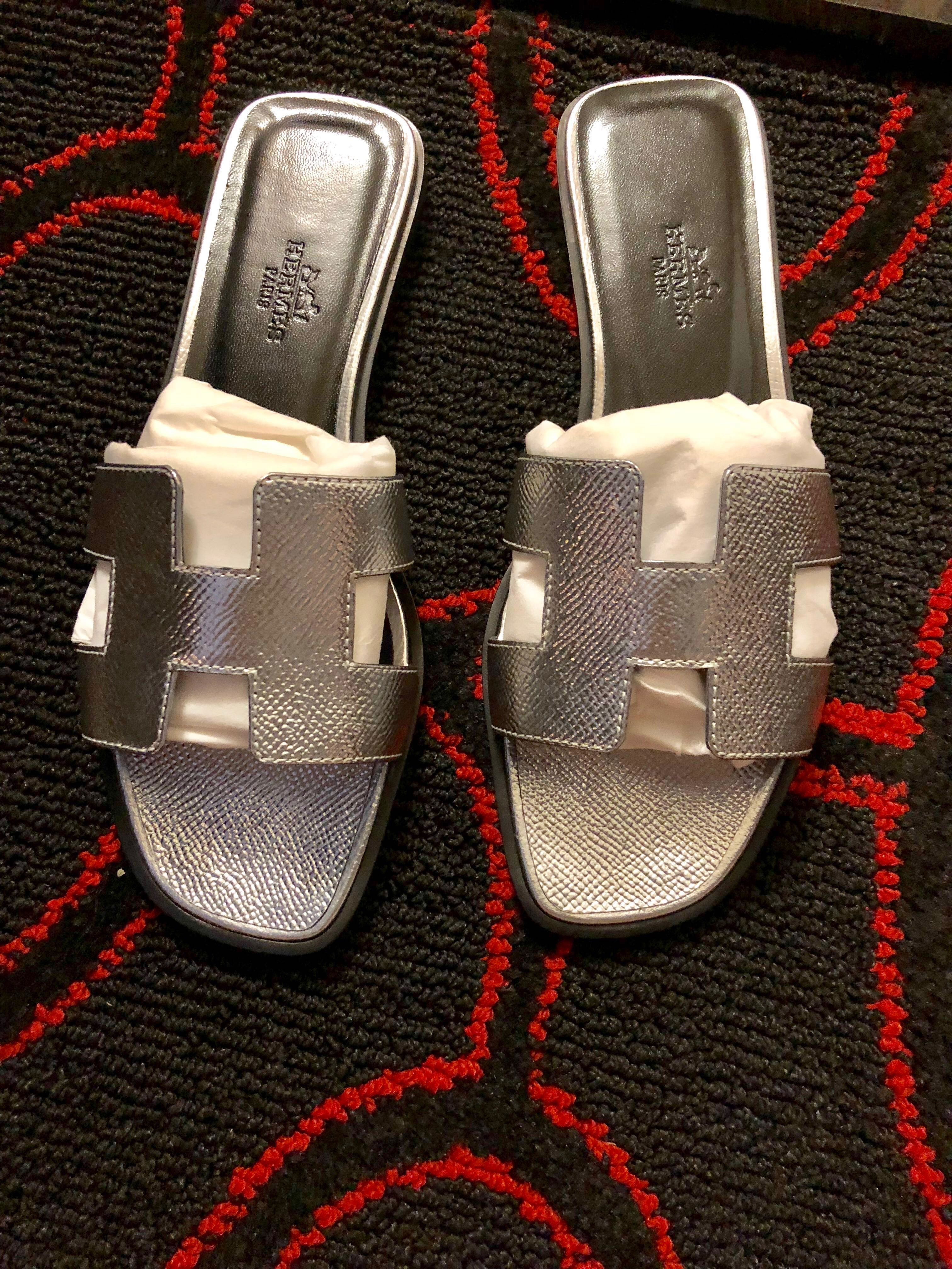 ea12345a0664 Hermes Oran Sandals, Women's Fashion, Shoes, Flats & Sandals on Carousell