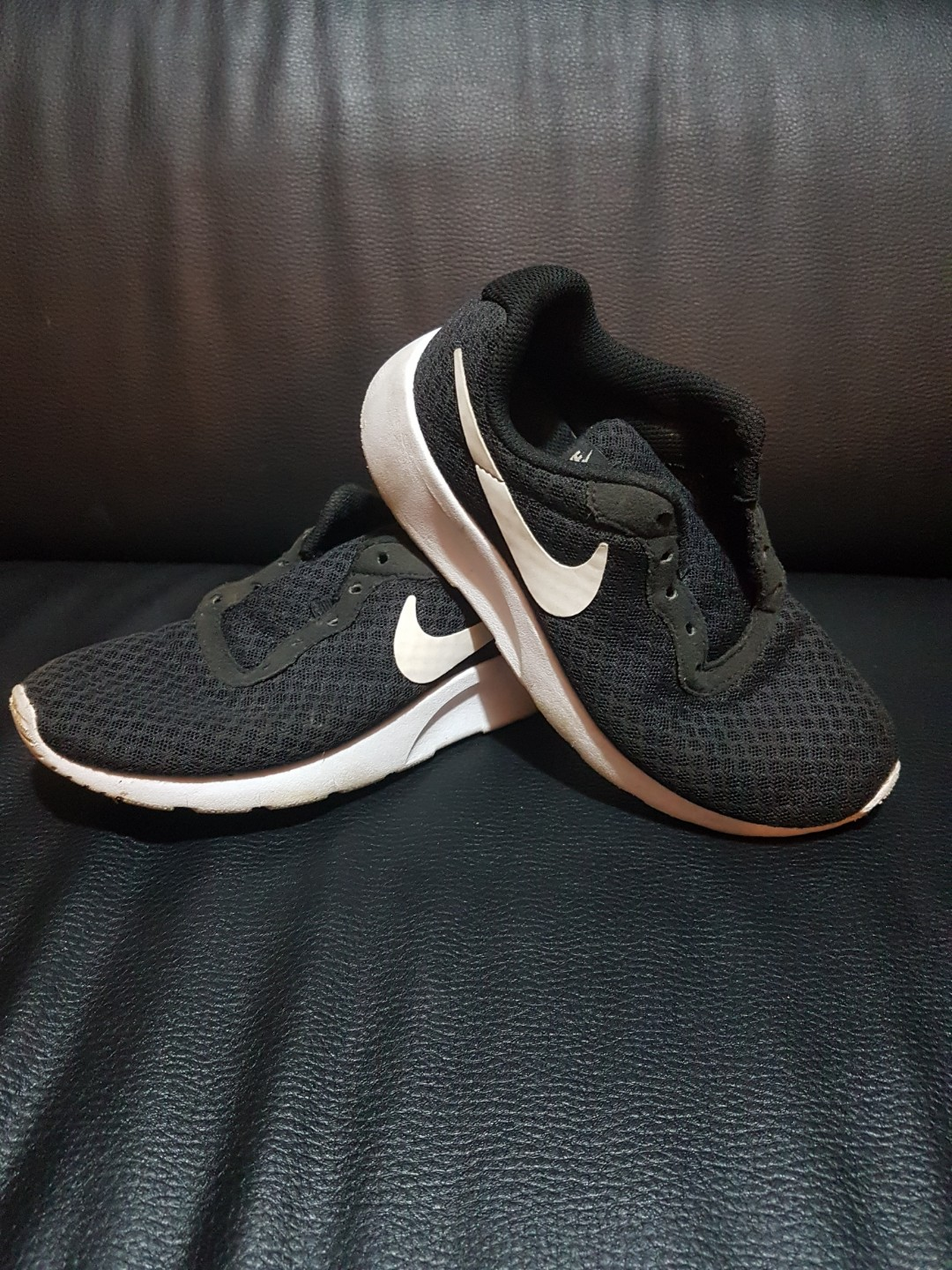 competitive price 2a2d0 72635 Nike Roshe sport shoes for boys/girls.