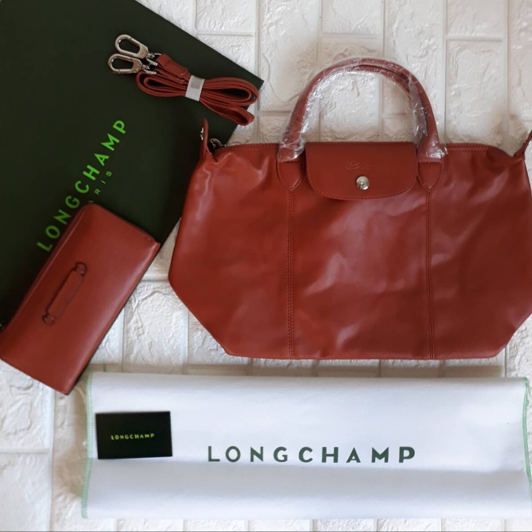 Sale Longchamp Bag with Wallet, Luxury, Bags   Wallets on Carousell a411d6474d