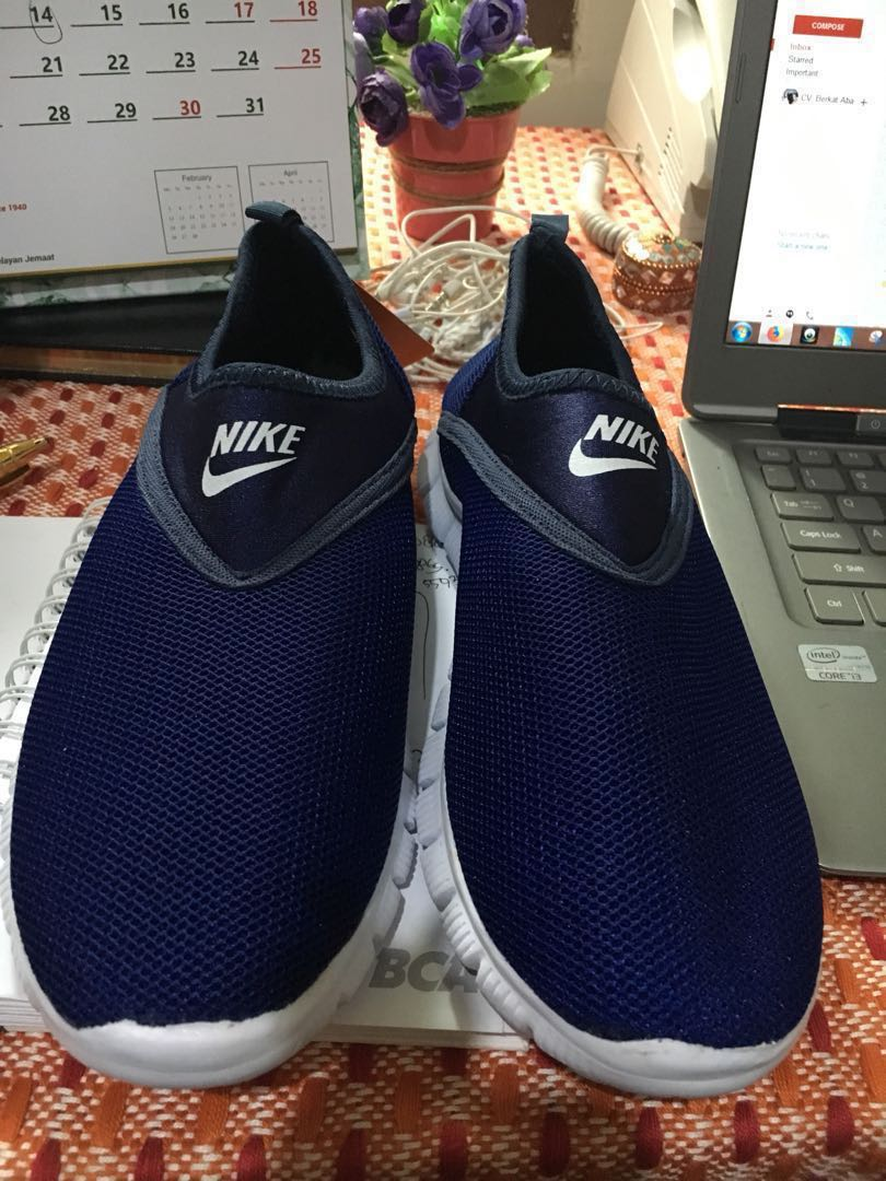 bcf65833a92a Sepatu keds biru nike. Size 39-40 bisa pakai. Masih baru