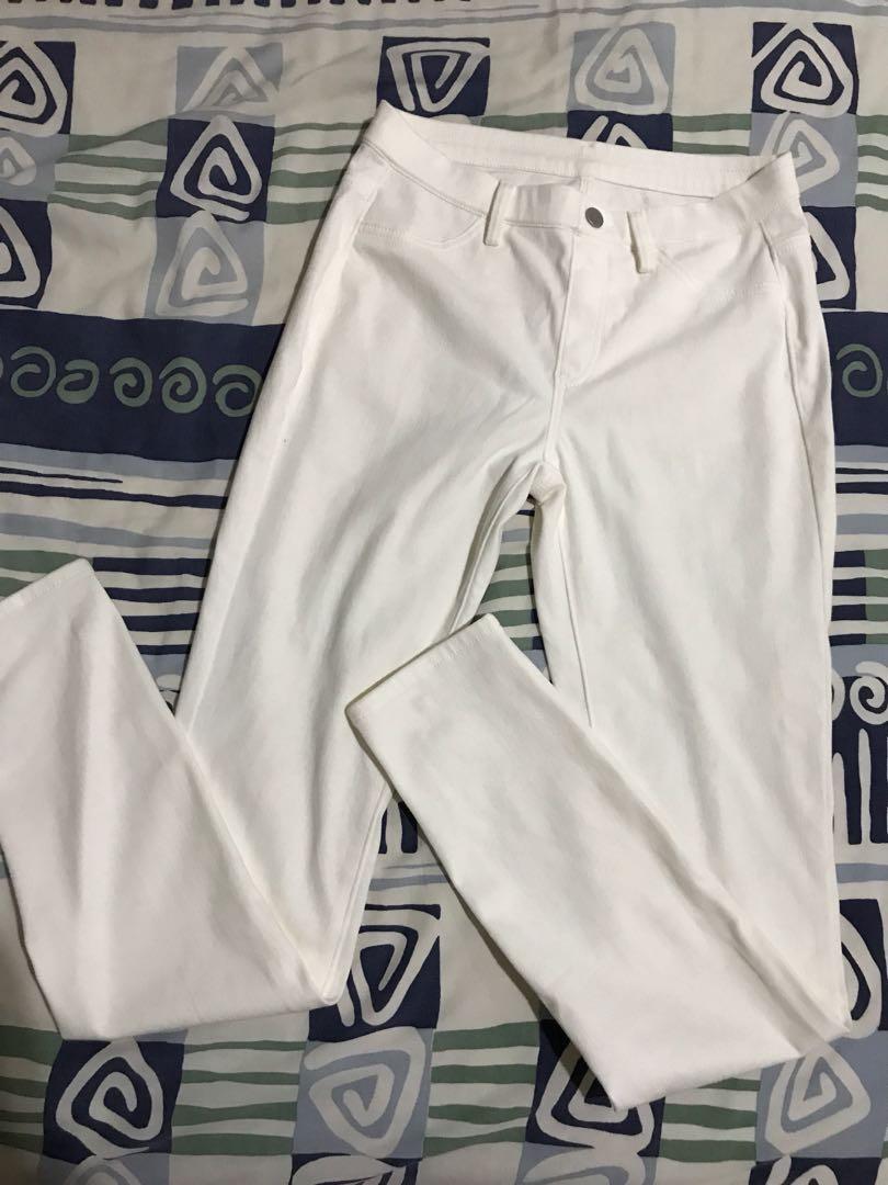 Uniqlo Celana Legging Putih Fesyen Wanita Pakaian Wanita Bawahan Di Carousell