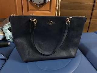 Authentic coach toe bag,95%new,good conditions as pic,size 30*25*10cm