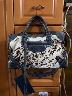 Authentic balenciaga bag ,80%new,conditions as pic,size 30*20*10cm