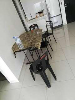 Small Dining table with 4chairs