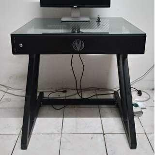 Vector Desk Mini Table Computer Casing